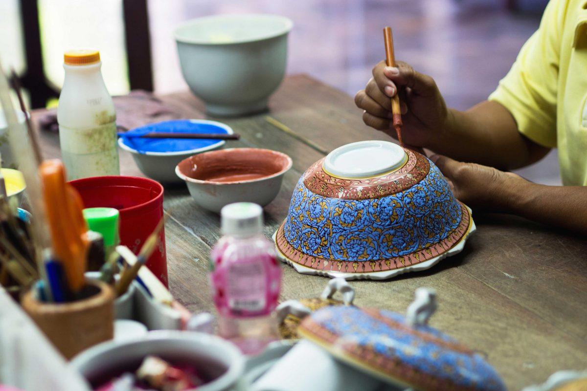 ceramique-benjarong-thailande-artisanat-1200×800