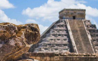 Kukulcan, le serpent à plumes de Chichén Itzá