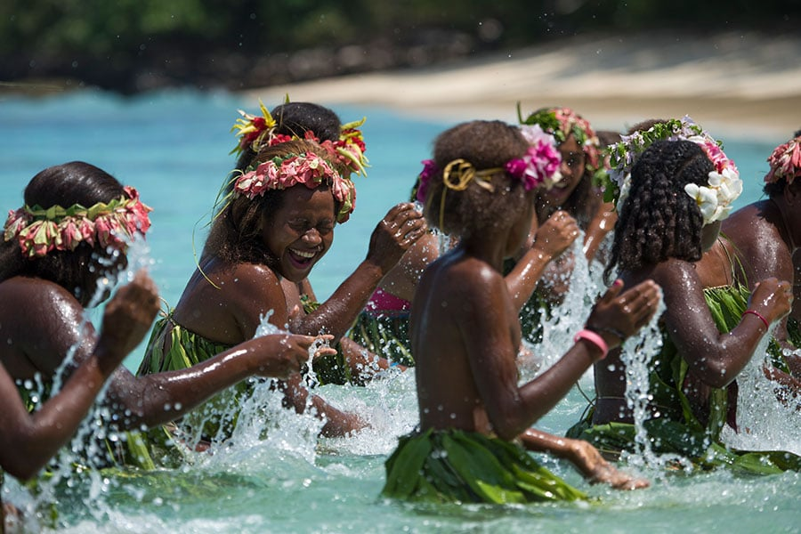 paradise-lagoon-vanuatu-900×600