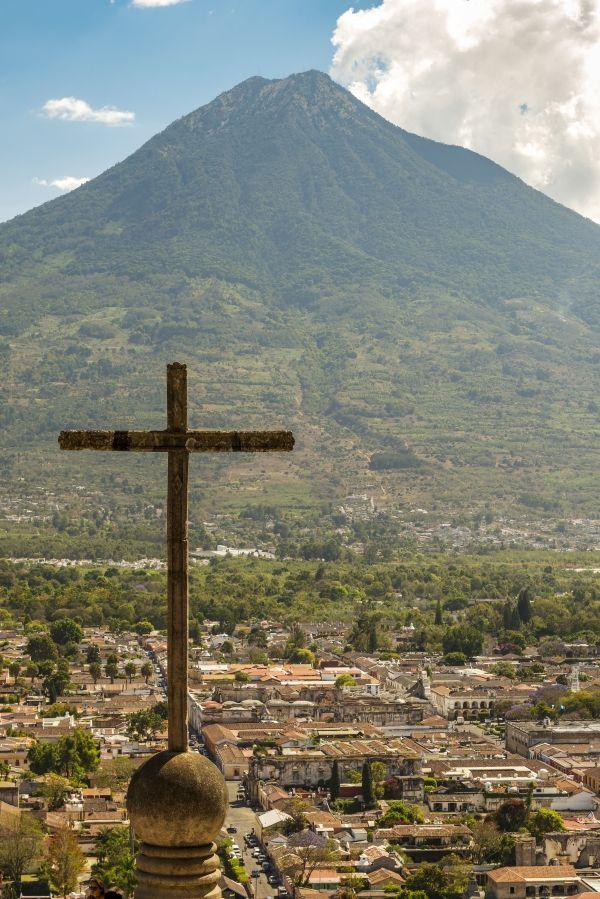 Cerro-de-la-Cruz-Antigua-Guatemala-compressor