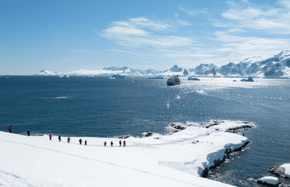 header-antarctica-xmas-ny-1900×800-compressor_img1000x645
