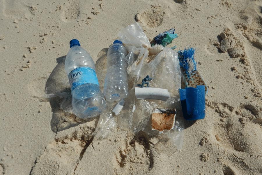 plastic-beach-1-900×600-compressor