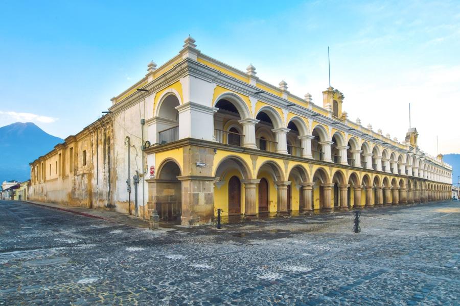 Place-central-Antigua-Guatemala