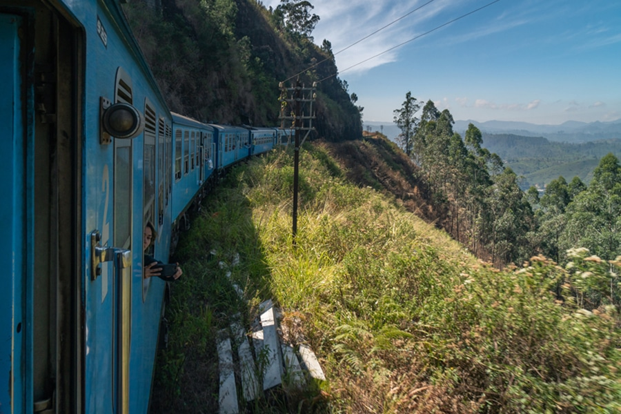 Tea-plantations-Sri-Lanka