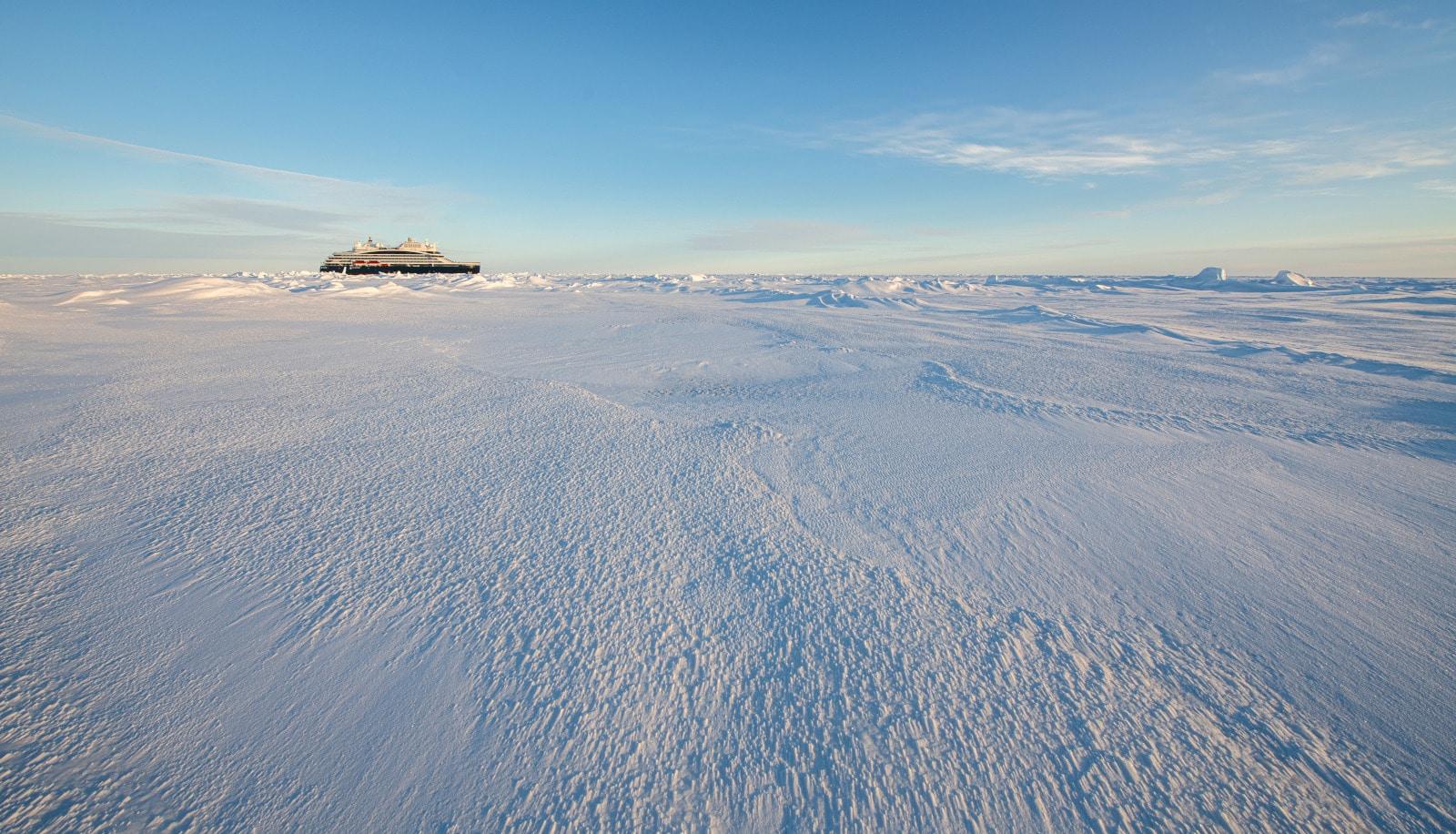 Commandant Charcot, navire d'exploration polaire